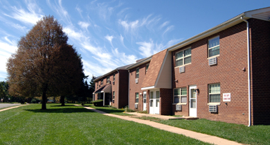 CARLETON COURT APARTMENTS