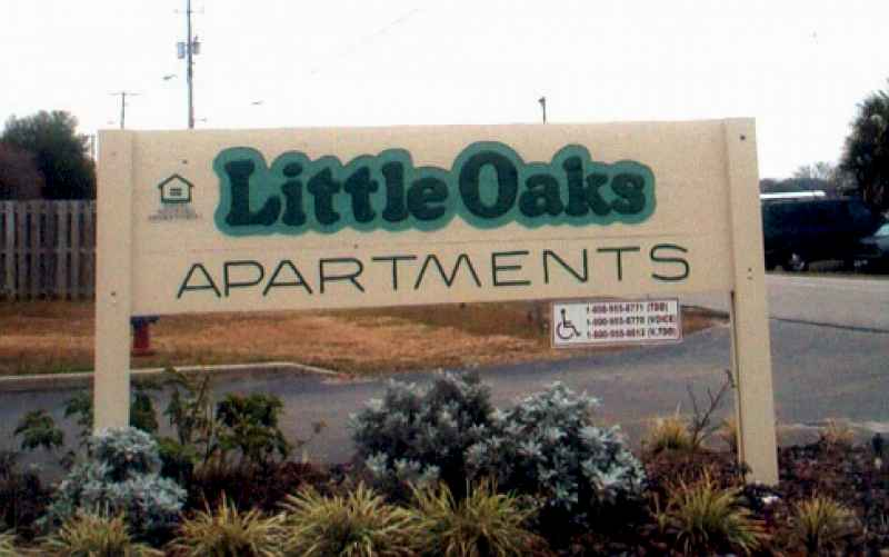 LITTLE OAKS APARTMENTS