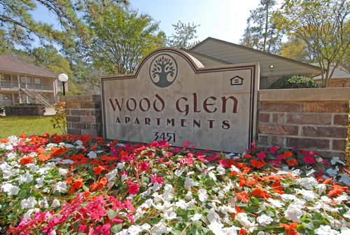 WOOD GLEN APARTMENTS