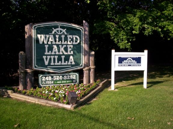 WALLED LAKE VILLAS