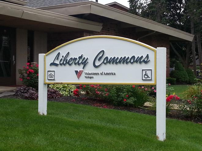 LIBERTY COMMONS TOWNHOMES AND APARTMENTS
