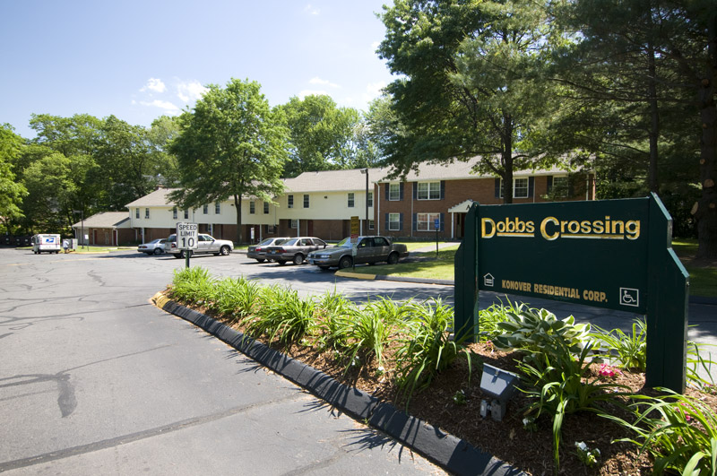 DOBBS CROSSING APARTMENTS