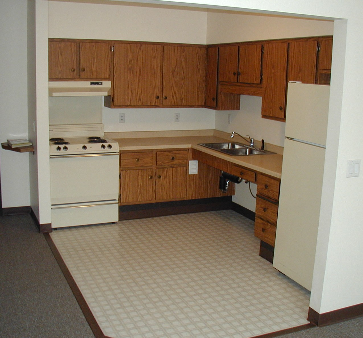 Warren Manor Apartments: Menomonie WI Subsidized, Low-Rent