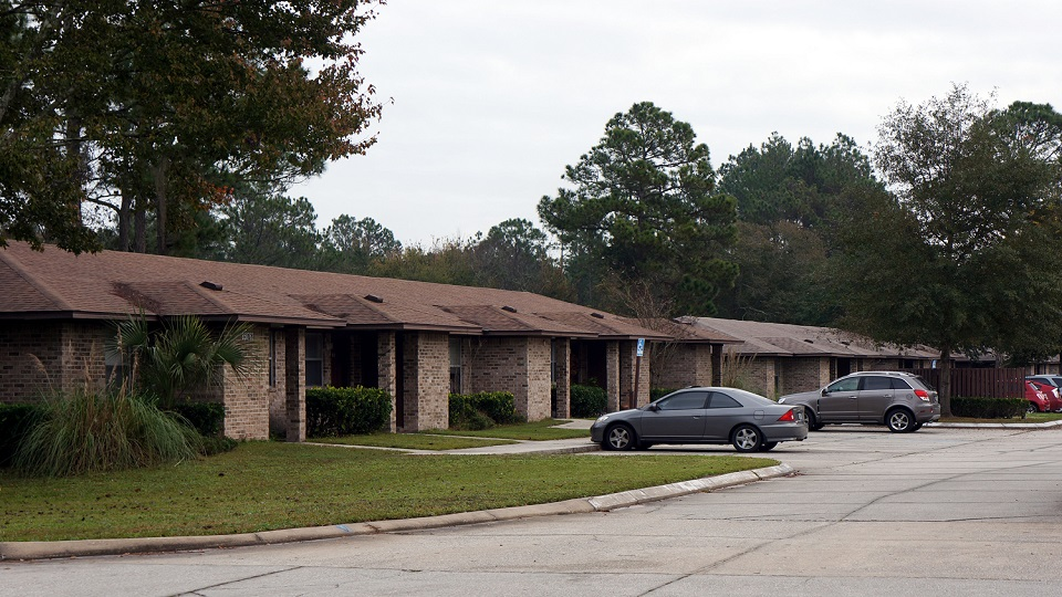 GREEN ACRES APARTMENTS