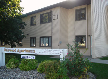 OAKWOOD APARTMENTS -- (ELLSWORTH)